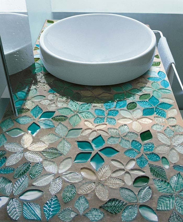 tyrquoise crystal mosaic bathroom
