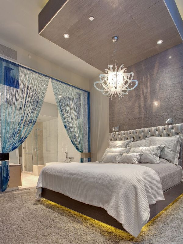 cool-bedroom-design-in-amazing-penthouse-interior-by-Mark-Tracy