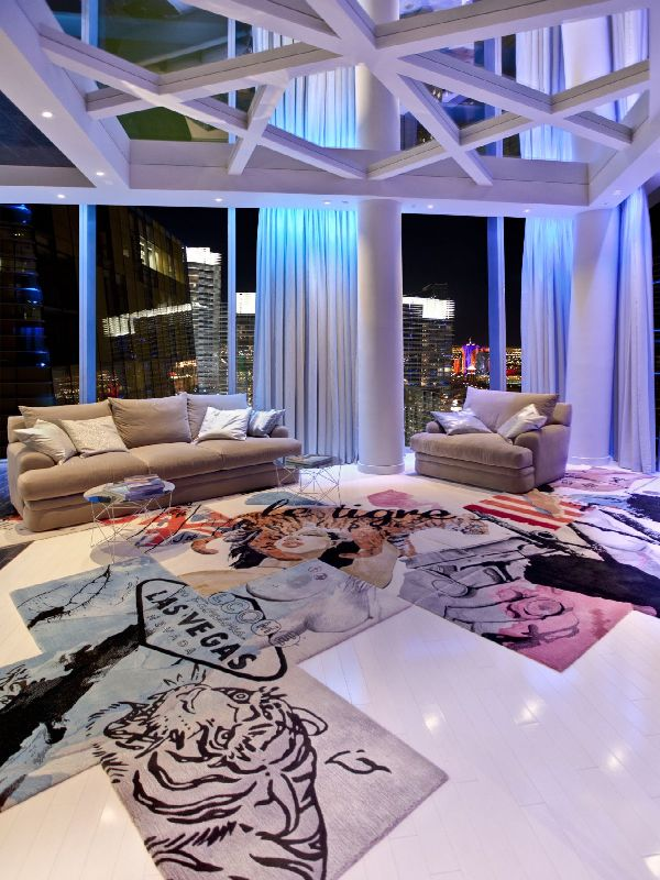 living-room-furniture-and-carpet-view-in-amazing-penthouse-interior-by-Mark-Tracy