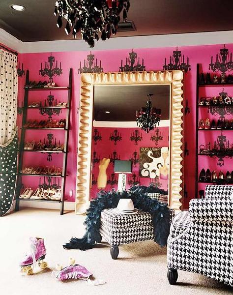 pink-walk-in-closet