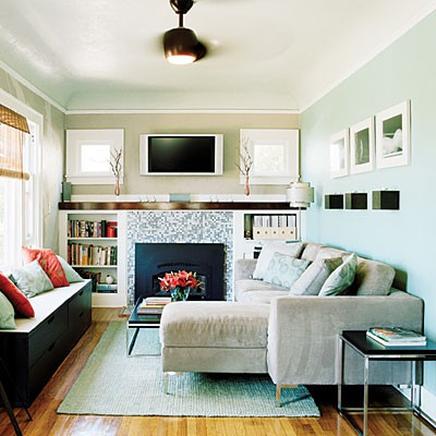 How to decorate a small living room decoholic - Small space sectional couches paint ...
