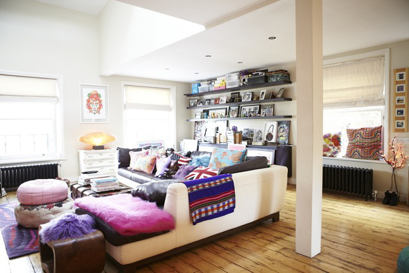 Colorful Apartment interior design in London 19