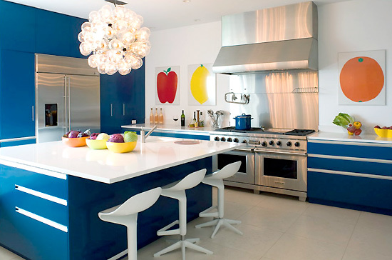 hamptons blue modern kitchen with island