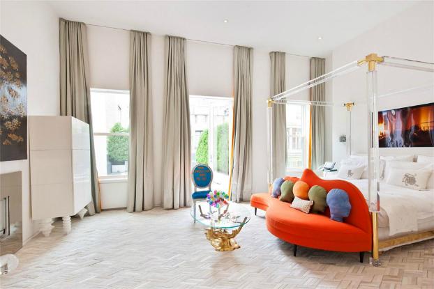 20 million 39 s tiplex house in manhattan by jonathan adler for Jonathan adler interior design