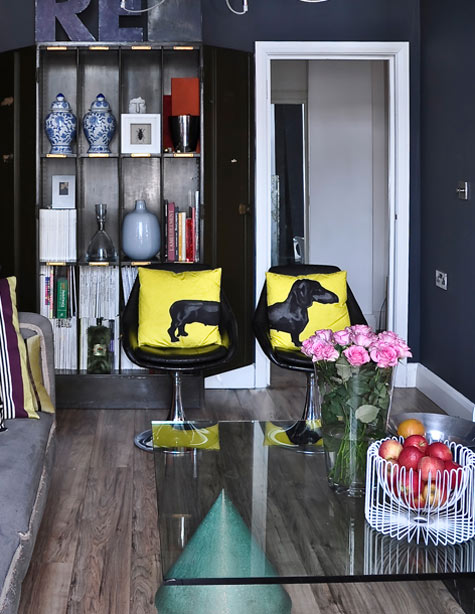 Jimmie Martin's and Rick Schultz's Apartment in London 4