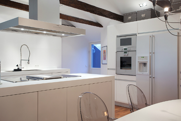 modern white kitchen with ghost chairs 2 ideas