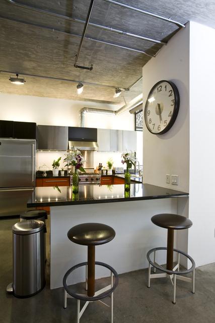 Vintage Modern Loft kitchen