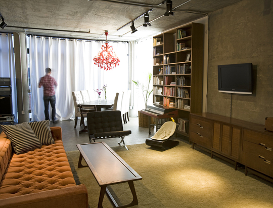Vintage Modern Loft 11