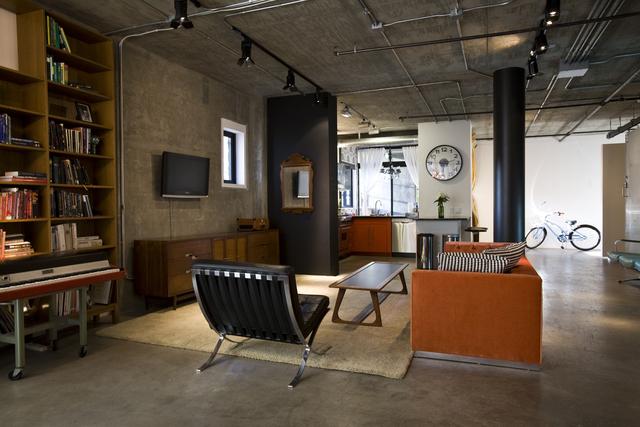Vintage modern loft decoholic for Modern loft apartment