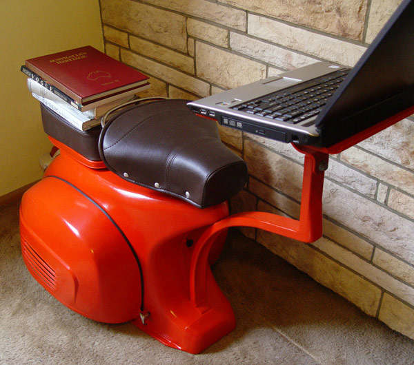 A 1968 Vespa – A Functional Work Station 2