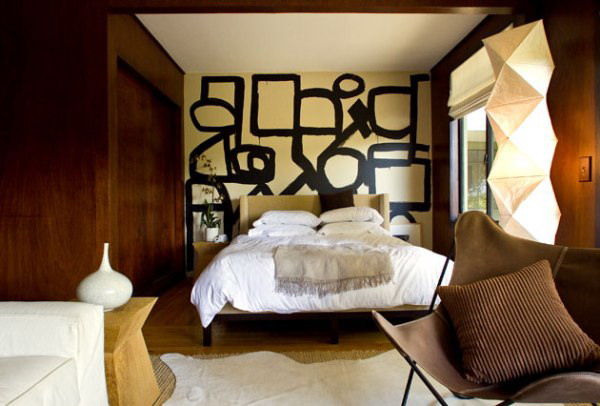 abstract mmaster bedroom wall decorating idea