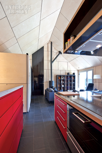 Red Kitchen with a Lacquered Birch Block 3