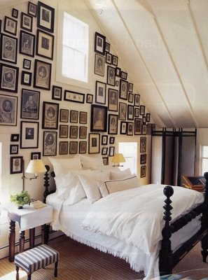 bedroom wall decor ideas with many frames 3