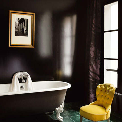 Luxury black and gold bathrooms decoholic for Yellow and brown bathroom decor