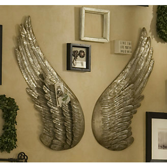 decorating-interior-with-keeper-silver-angel-wings