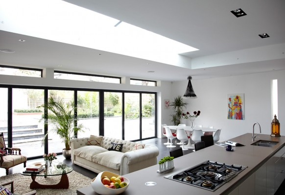 House with a Calming Air in London 1