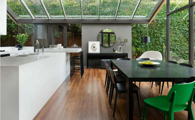 Glass Walled Modern House by Mim Design 5