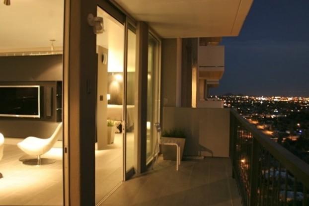 Mid Century Modern Apartment 16