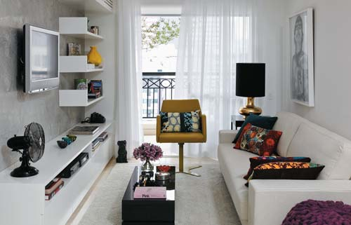 Modern Interior Design of Small Apartment by Carla Basich