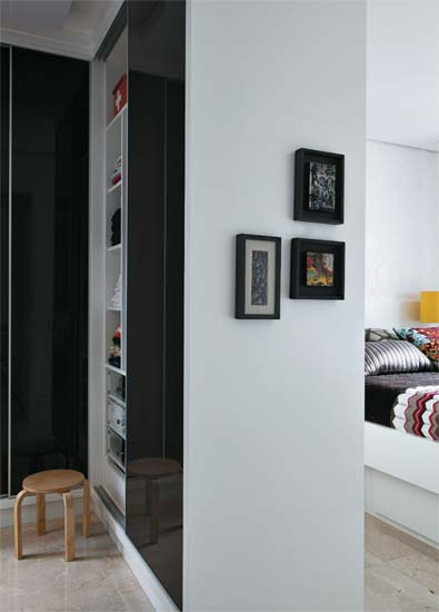 Modern Interior Design of Small Apartment by Carla Basich 4