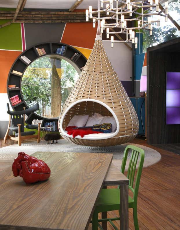 Small Colorful Urban House by Fábio Galeazzo 2