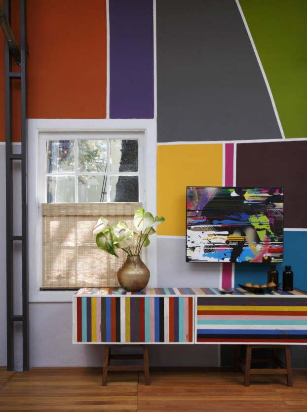 Small Colorful Urban House by Fábio Galeazzo 9