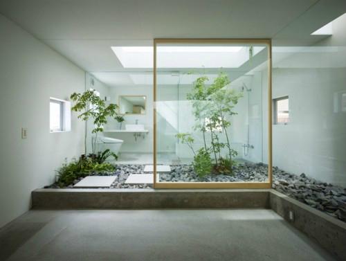 Bathroom with Plants 9