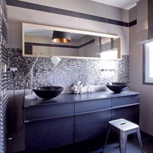 modern house in France black bathroom with tiles