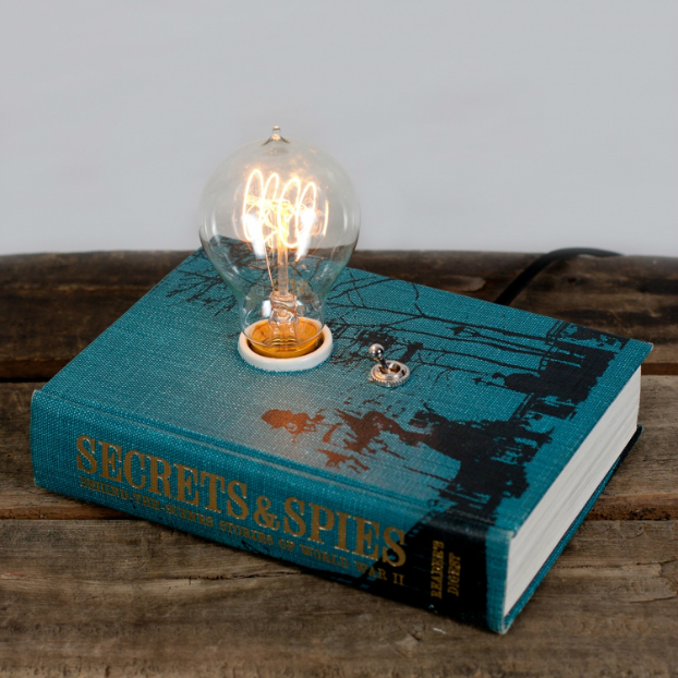 Cool Book Makes an Amazing Lamp 2