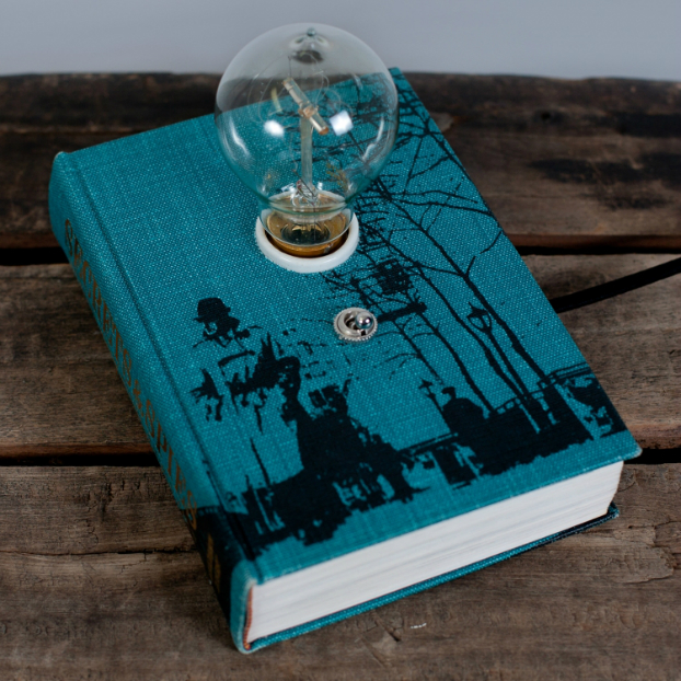 Cool Book Makes an Amazing Lamp 3