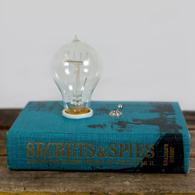 Cool Book Makes an Amazing Lamp 4