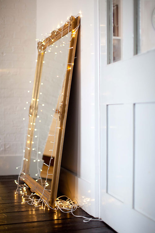 Long String Lights For Bedroom : 15 Mirror Decorating Ideas - Decoholic
