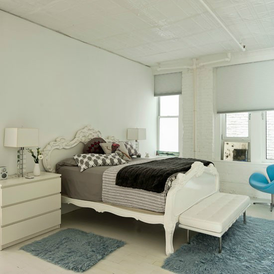 modern white bedroom Modern White House with a Touch of Turquoise