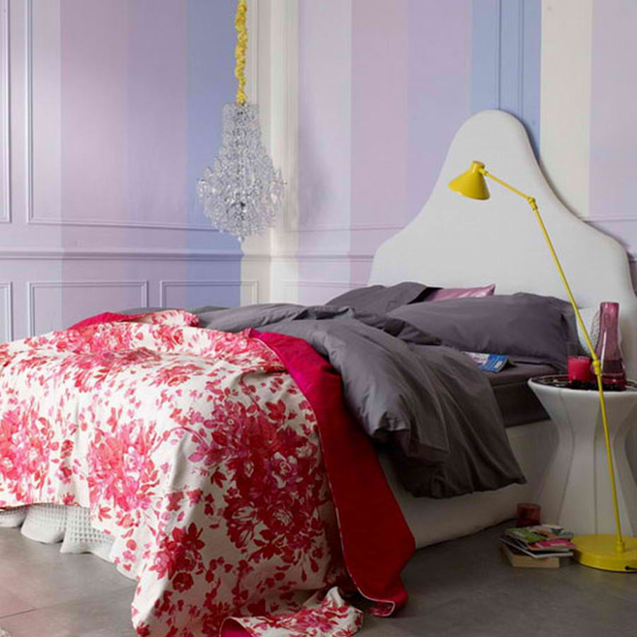 20 romantic bedroom ideas decoholic for Modern romantic interior design