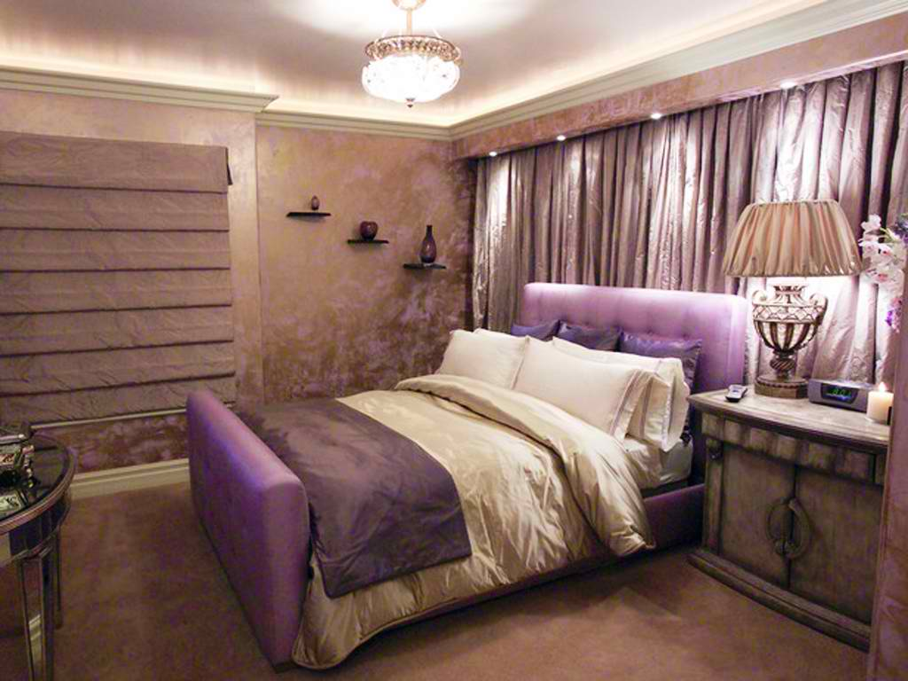 20 romantic bedroom ideas decoholic for Romantic purple master bedroom ideas