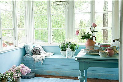 Ideas for a Sitting Bench Under a Window 9