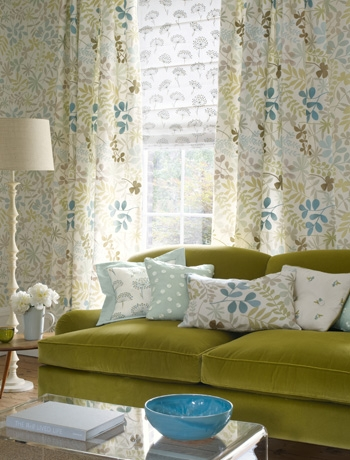 Vintage Green Living Room With Floral Wallpaper