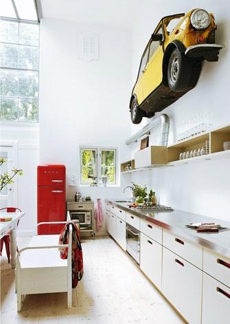 white_kitchen_with_red_smeg