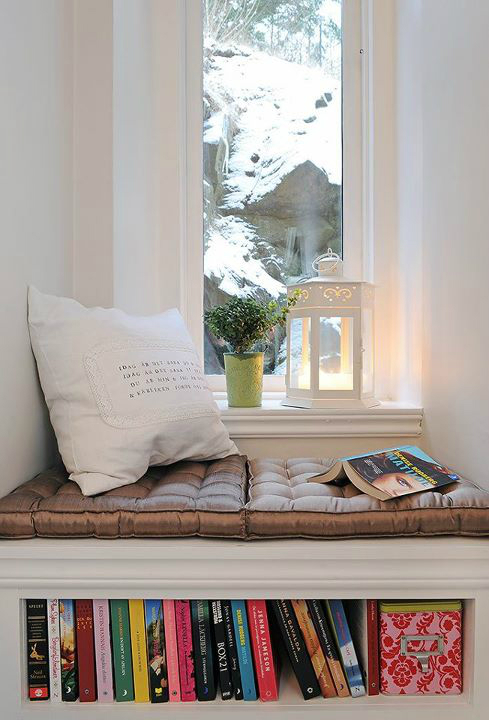 Ideas for a Sitting Bench Under a Window 12