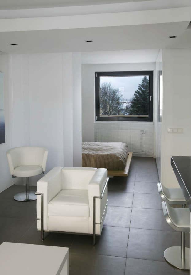 Apartment in Iceland by Gudmundure Jonsson 5
