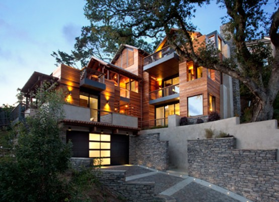 Amazing LEED House with a very Vertical Design