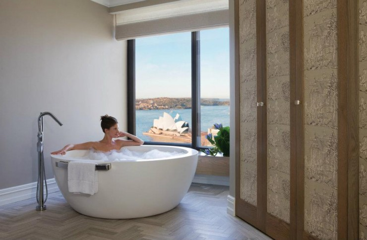 spectacular luxury Four Seasons bathrooms 10