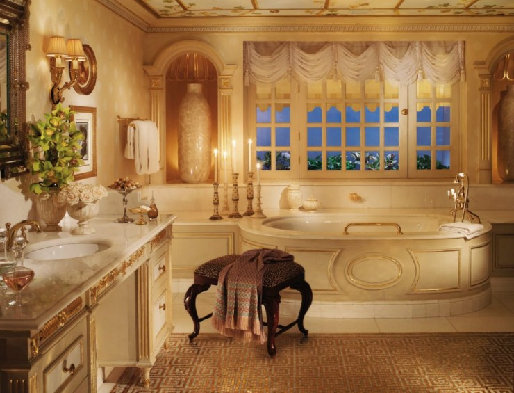 spectacular luxury Four Seasons bathrooms 15