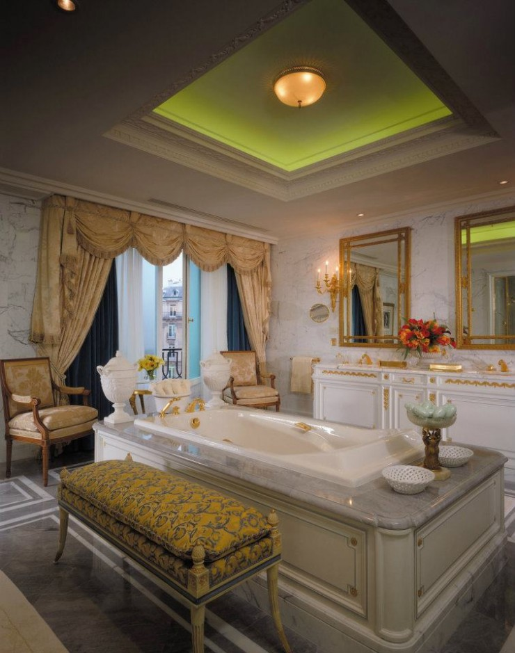 spectacular luxury Four Seasons bathrooms 17