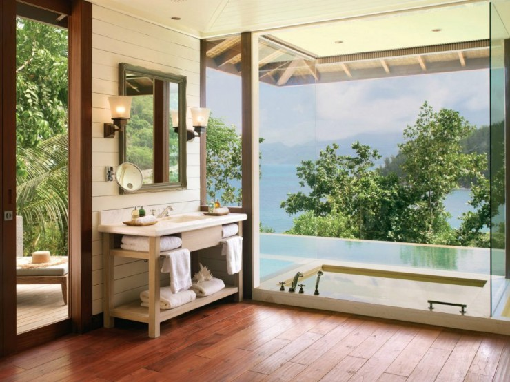 spectacular luxury Four Seasons bathrooms 3