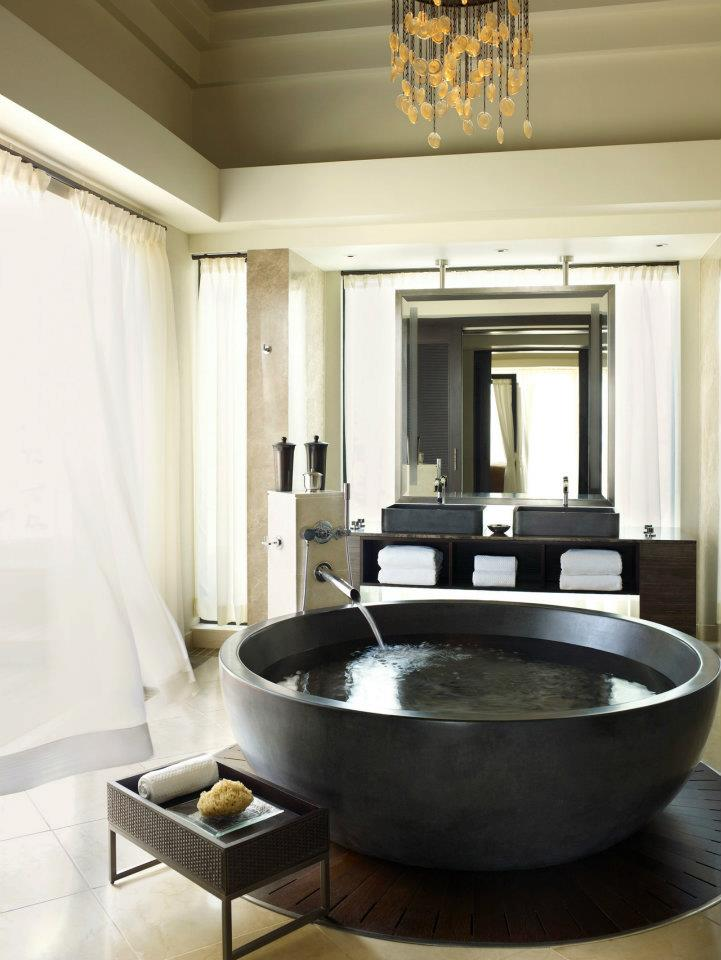 spectacular luxury Four Seasons bathrooms 4