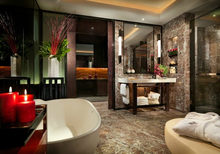 spectacular luxury Four Seasons bathrooms 7