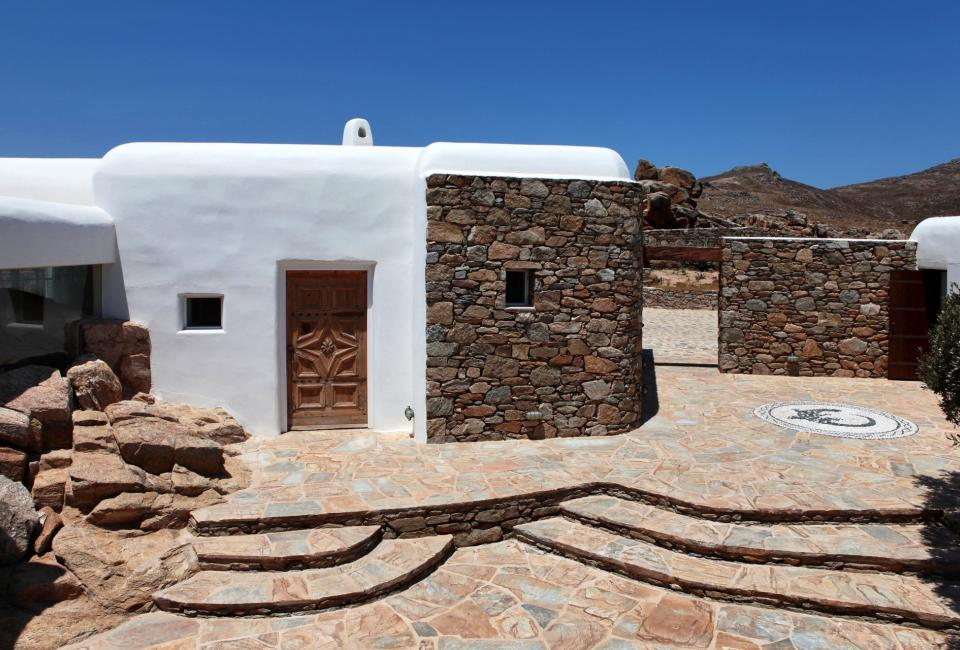 House In Mykonos By Bc Estudio Architects Decoholic
