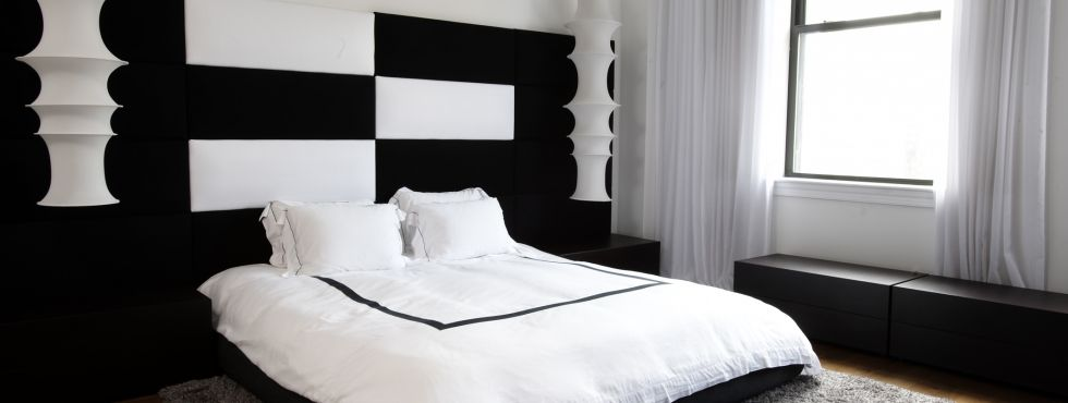 Black And White Bedroom Decorating Ideas Archives - Decoholic