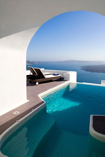 Dreams Traditional Luxury Suites in Greek Island Santorini   villa in greek island 19